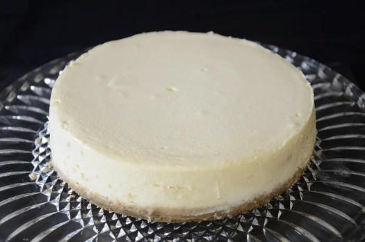 Plain, creamy cheesecake with a graham cracker crust.