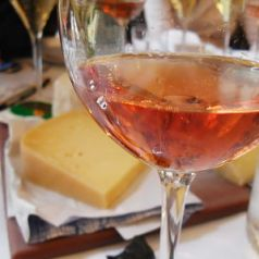 Vintage champagne -Veuve Clicquot Grande Dame and cheese