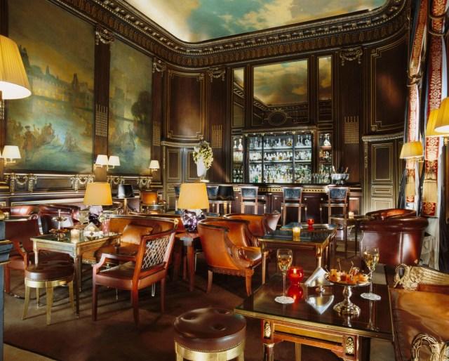 Bar 228 by Guillaume de Laubier