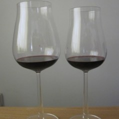 Iittala's Essence Plus wine glasses, does size matter?