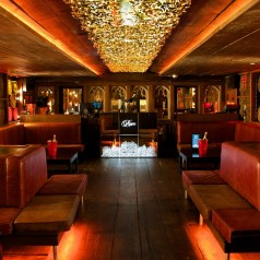 A Piper-Heidsieck Rare Experience in the VIP room of Whisky Mist