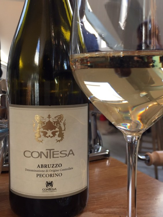 Contessa 2016 Pecorino, Italian white wine