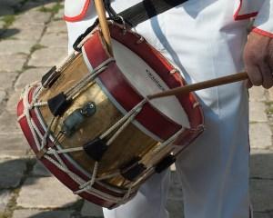 musician-1273199_640