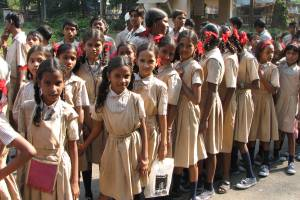 Young students in Mumbai. Credit: Wikimedia Commons