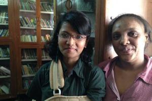 Faiza Khan (left) and Kausar Ansari at Rehnuma Library Center. Credit: Taran N Khan