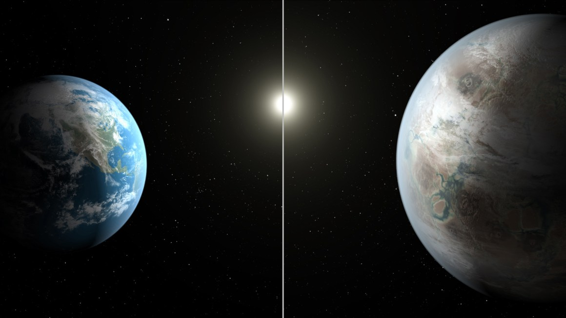 An artist's impression of Kepler-452b and its size compared to Earth. Credit: NASA/Ames/JPL-Caltech