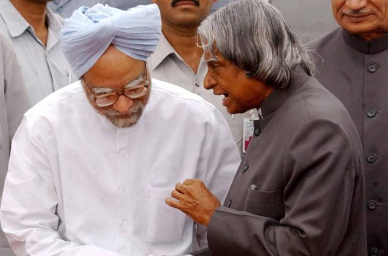 APJ Abdul Kalam in conversation with Manmohan Singh. Credit: PTI