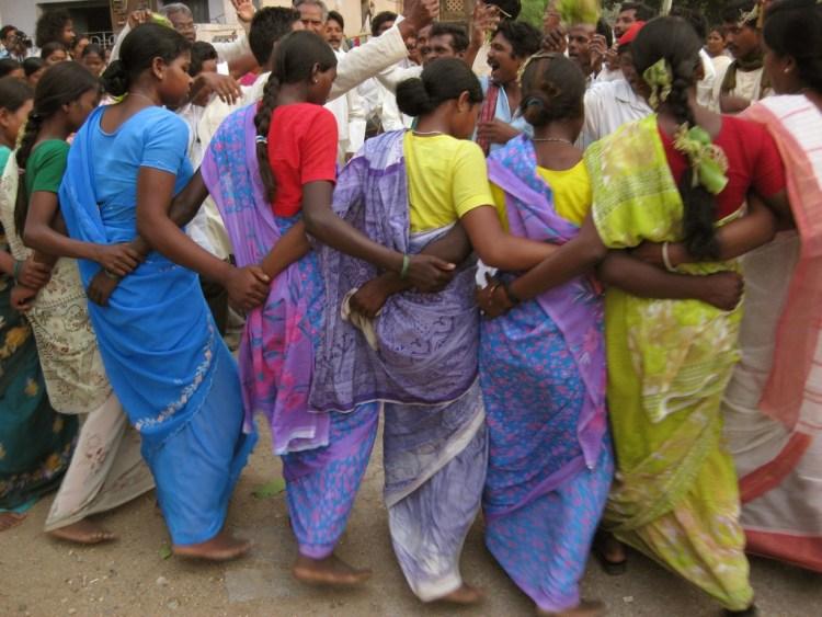 Adivasi women dancing in Jharkhand. Credit: Tuhin Paul, CC BY-NC 2.0