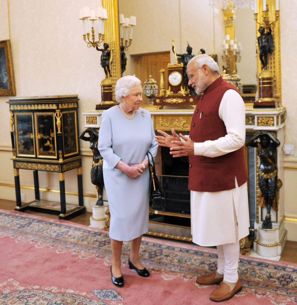 Prime Minister Narendra Modi in a meeting with Queen Elizabeth at Backingham Palace in London. Credit: PTI