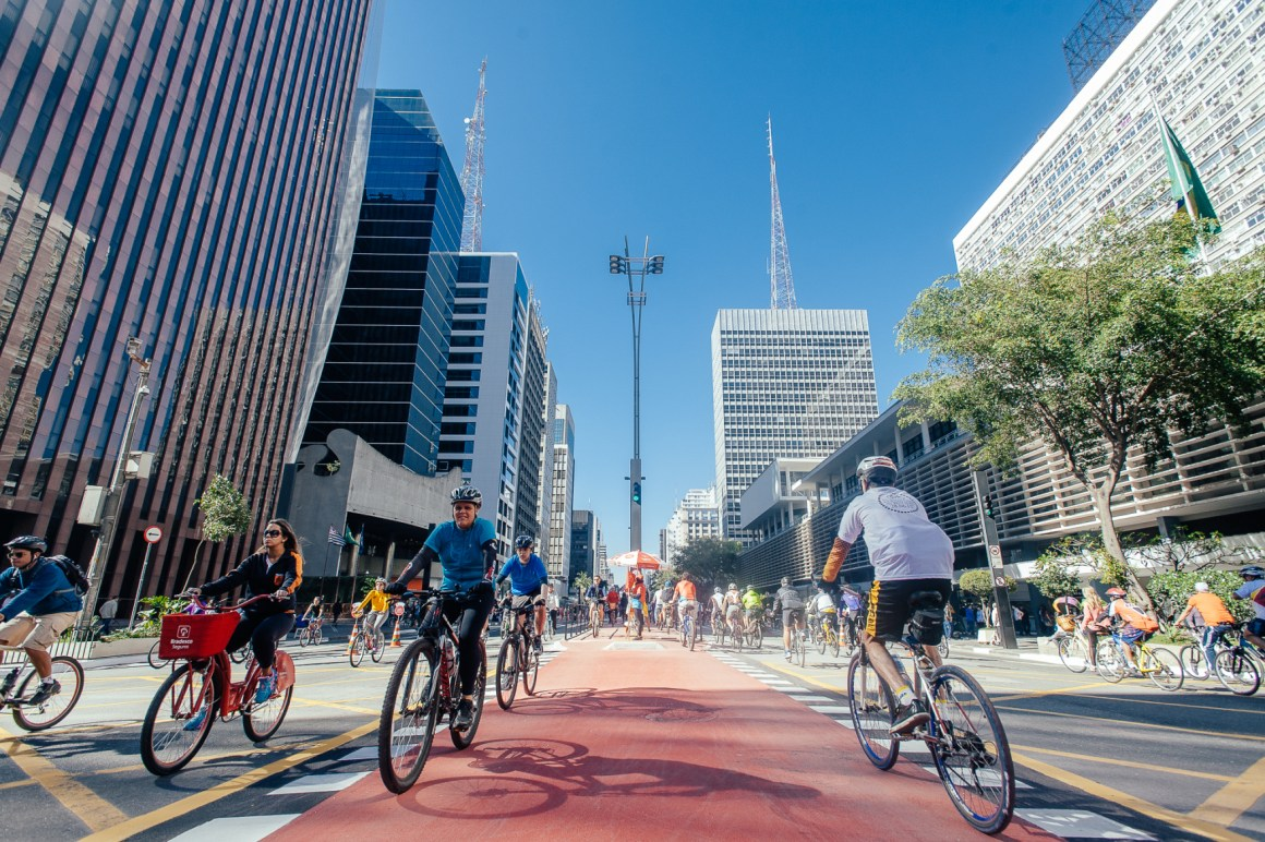 Avenida Paulista, the metropolis's main avenue in the business district, is completely taken over by cyclists and pedestrians on Sundays as cars and other vehicles are barred from entering this area. Photo: Leon Rodrigues
