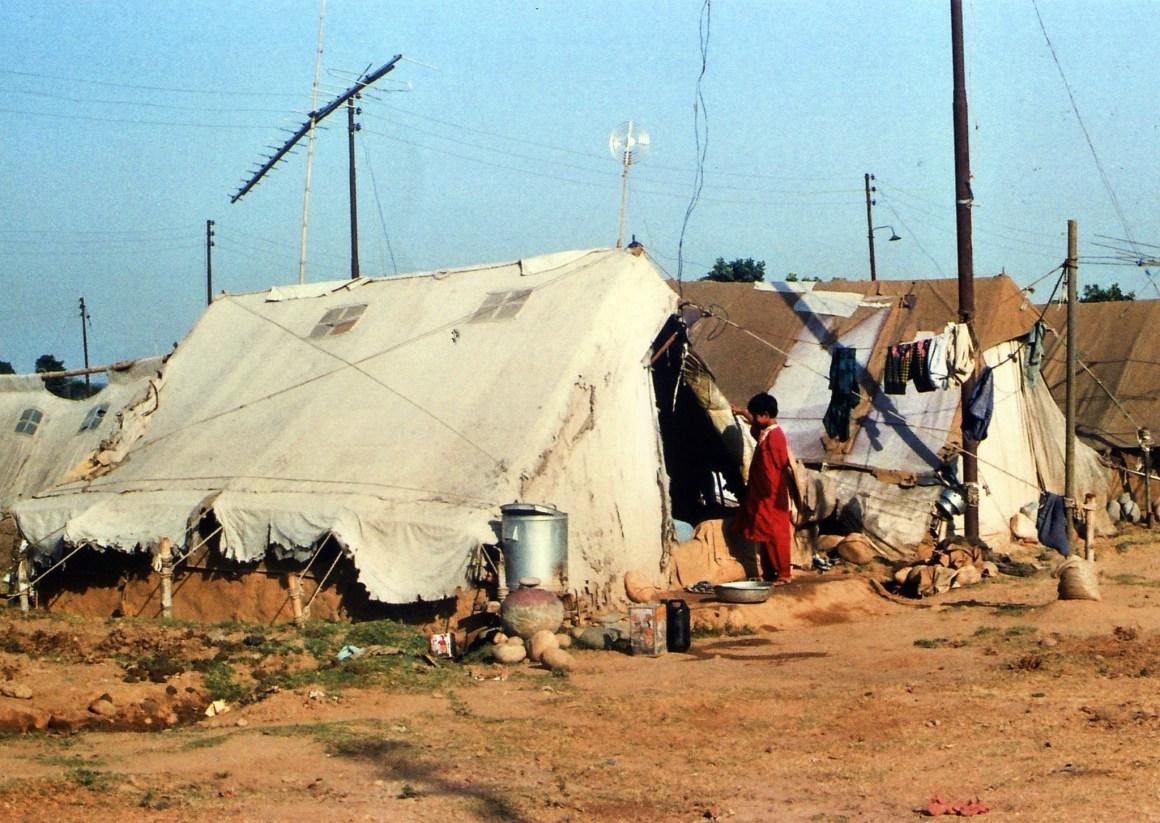 Camp-Kashmiri-Pandits-Muthi-Tents-June-1991-VijayKoul