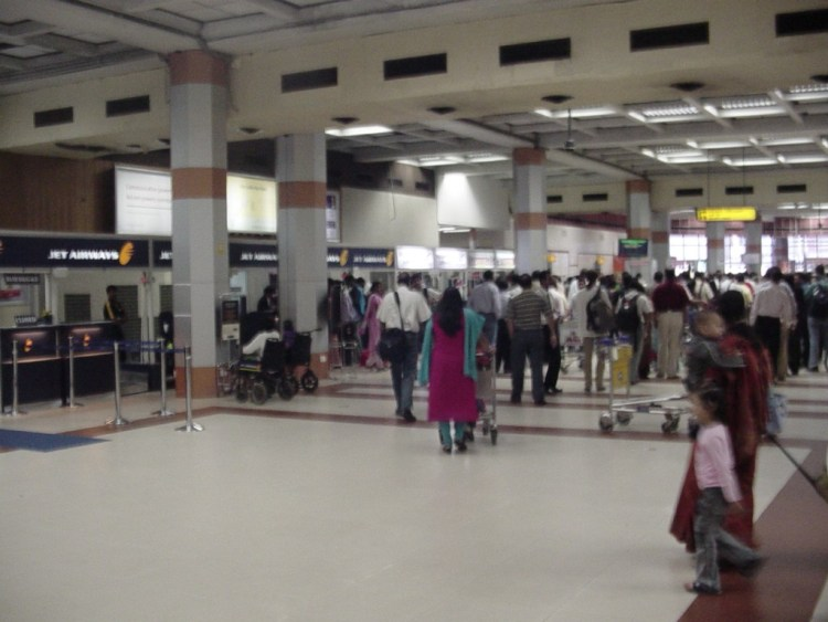 Passengers waiting for security check at Chennai airport. Credit: Flickr/Himmat Rathore