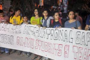 File photo of students at Jadavpur University protesting in solidarity with JNU students. Credit: PTI