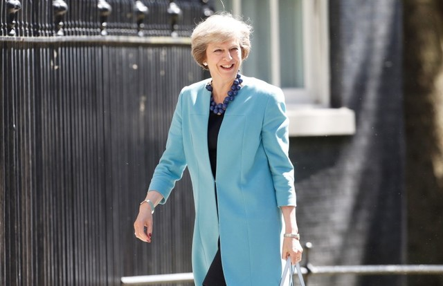Britain's Prime Minister Theresa May arrives at 10 Downing Street, in central London July 13, 2016. REUTERS/Paul Hackett - RTSHV5X