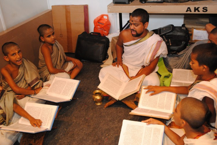 Learning Sanskrit. Credit: Avanish Tiwary/Flickr CC BY-NC-ND 2.0