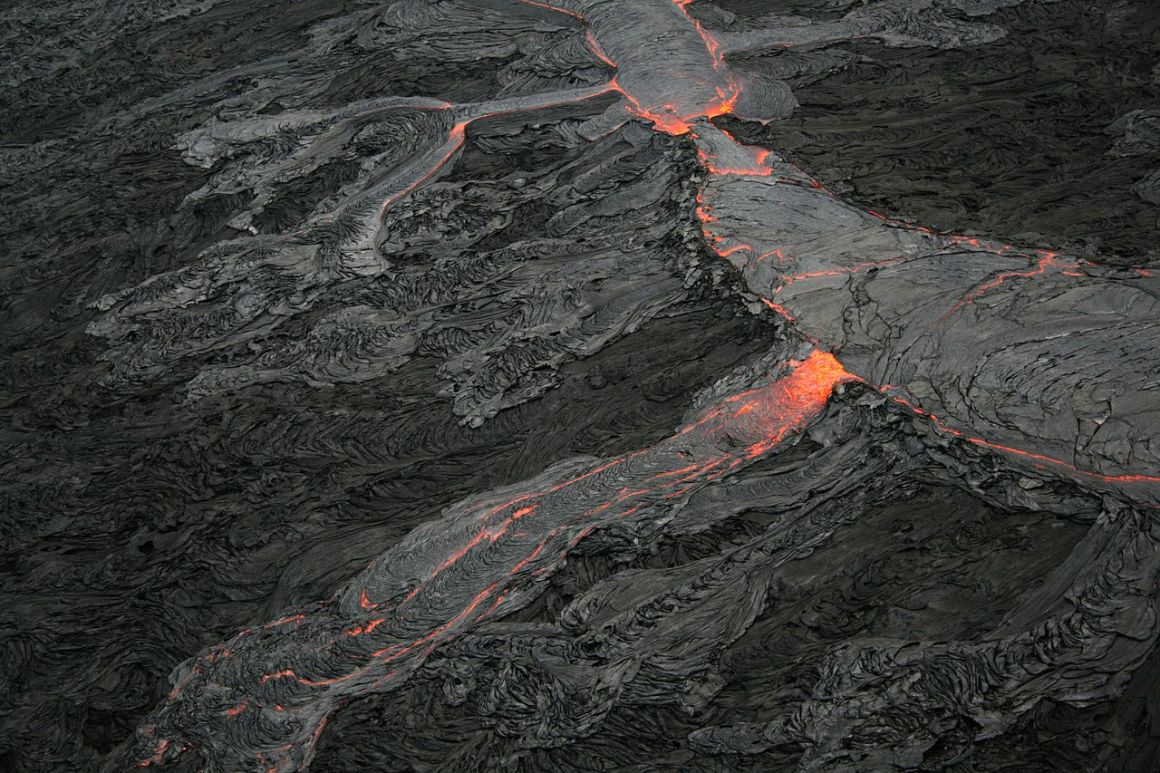 The Pāhoehoe lava flow, Hawaii. Credit: Brocken Inaglory/Wikimedia Commons, CC BY-SA 3.0