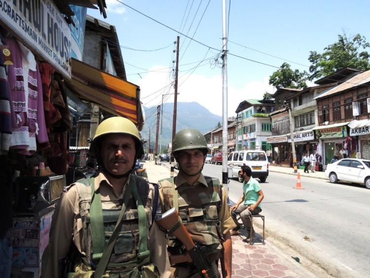 Army personnel in Pahalgam. Credit: Bombman/Flickr CC BY 2.0
