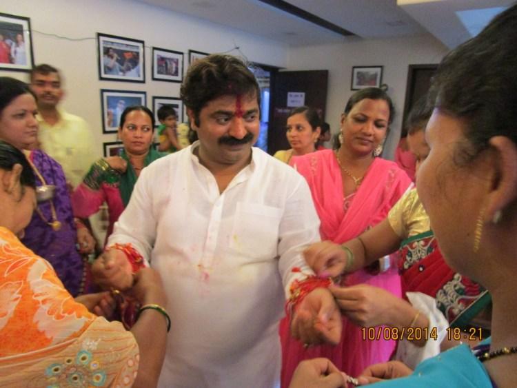 MLA Ram Kadam celebrating Rakshabandhan. Credit: Sarthak Bagchi
