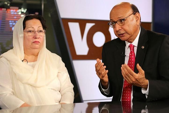 Khizr and Ghazala Khan. Credit: VOA Urdu / Wikimedia Commons