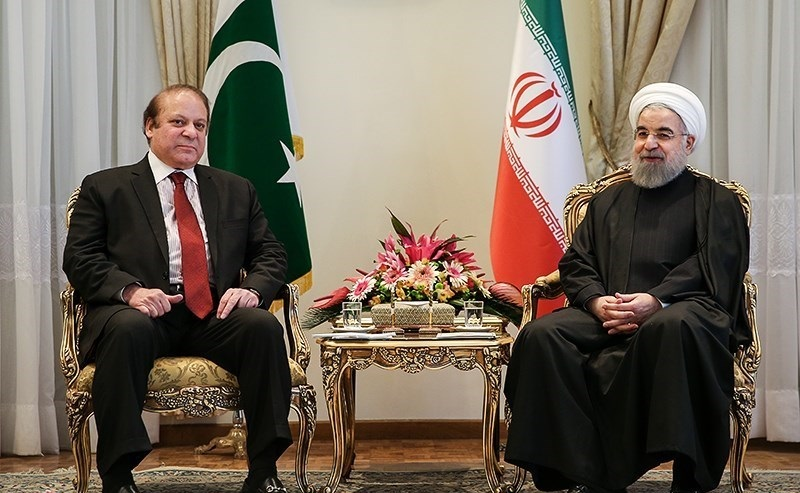 Iran's President Hassan Rouhani, right, in meeting with Pakistani Prime Minister Nawaz Sharif in Saadabad Palace, Tehran. Credit: Wikimedia Commons