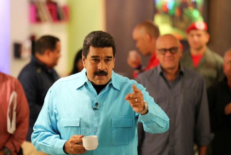 """Venezuela's President Nicolas Maduro speaks during his weekly broadcast """"En contacto con Maduro"""" (In contact with Maduro) in Caracas, Venezuela September 13, 2016. Miraflores Palace/Handout via REUTERS"""