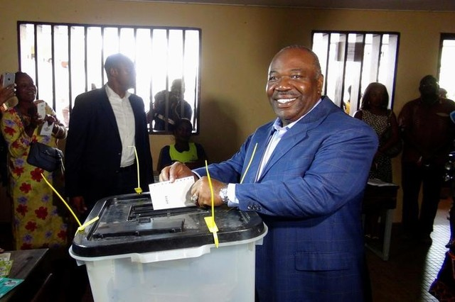 Gabon's President Ali Bongo Ondimba votes during the presidential election in Libreville, Gabon, August 27, 2016. Reuters/Gerauds Wilfried Obangome/Files