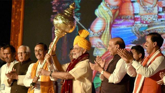 Prime Minister Narendra Modi in Lucknow on Dussehra. Credit: PTI