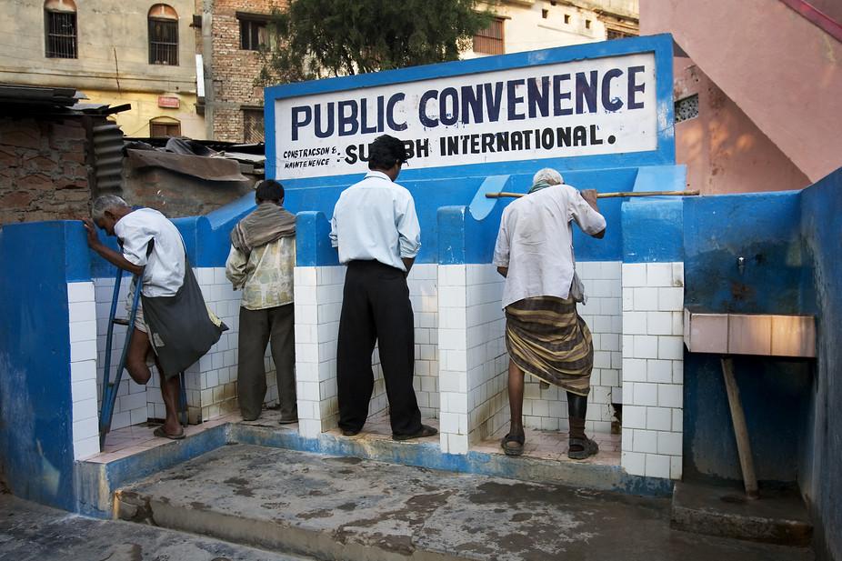 Public toilets in Varanasi. Credit: Jorge Royan, CC BY-SA
