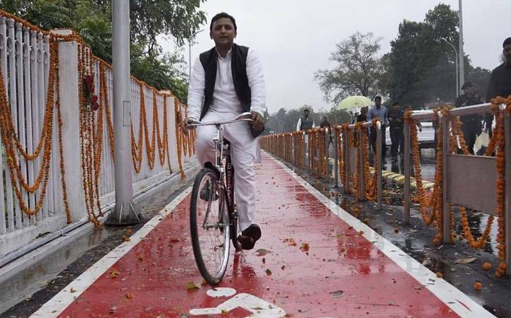 File photo of Uttar Pradesh chief minister Akhilesh Yadav riding a bicycle, the election symbol of the Samajwadi Party. Credit: Facebook