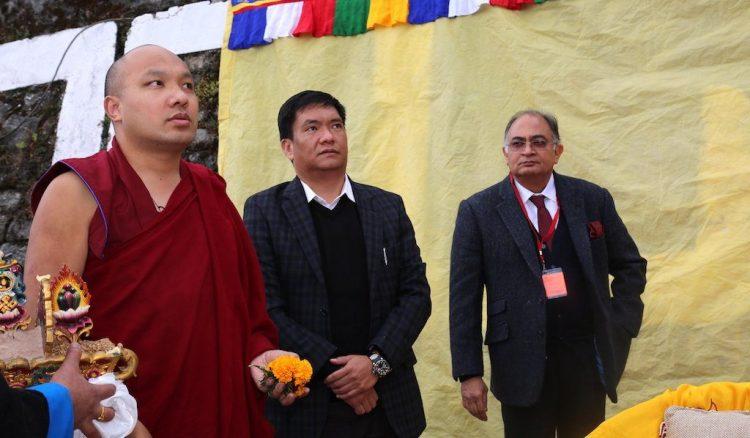 karmapa-with-khandu