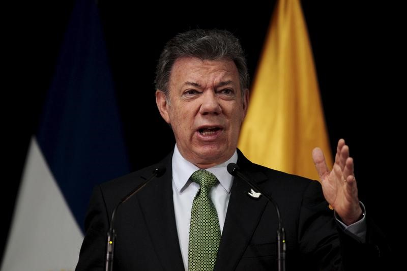 Colombia's President Juan Manuel Santos at the presidential house in San Salvador, El Salvador April 5, 2016. REUTERS/Jose Cabezas