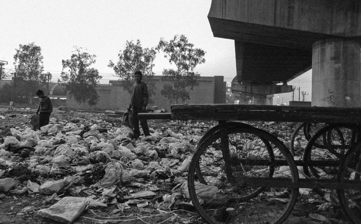 A garbage dump in Shadipur. Credit: kalishakti/Flickr, CC BY 2.0