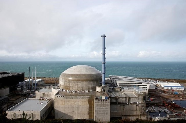 General view of the construction site of the third-generation European Pressurised Water nuclear reactor (EPR) in Flamanville, France, November 16, 2016. Credit: Reuters/Benoit Tessier/File photo