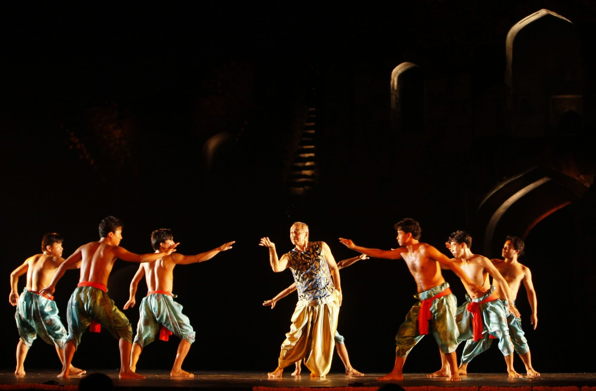 Astad Deboo and his troup of Pung Cholom drummers of Manipur perform 'Rhythm Divine' at the Annual Ananya dance festival at Old Fort in New Delhi. Credit: PTI/Vijay Verma