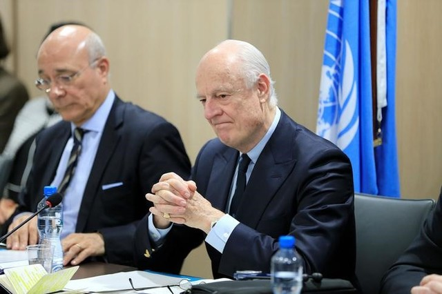 UN special envoy for Syria Staffan de Mistura (R) attends a meeting of Intra-Syria peace talks with Syrian government delegation at Palais des Nations in Geneva, Switzerland, February 25, 2017. Credit: Reuters