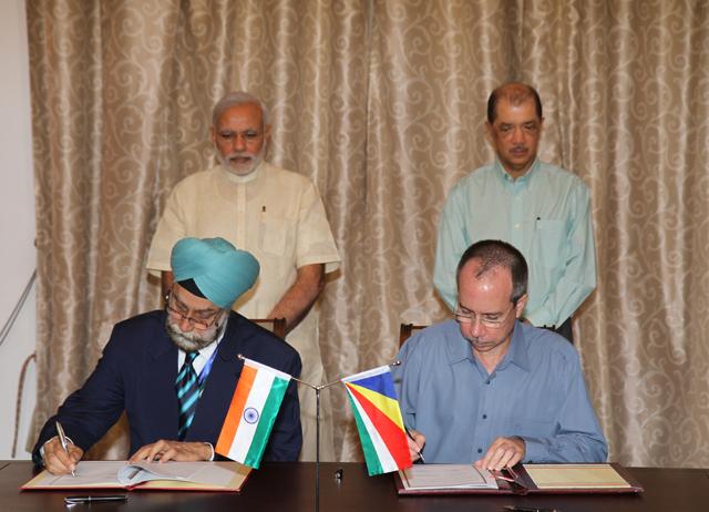Narendra Modi, James Michel, Navtej Sama, Joel Morgan, March 2015. Credit: Wikimedia Commons