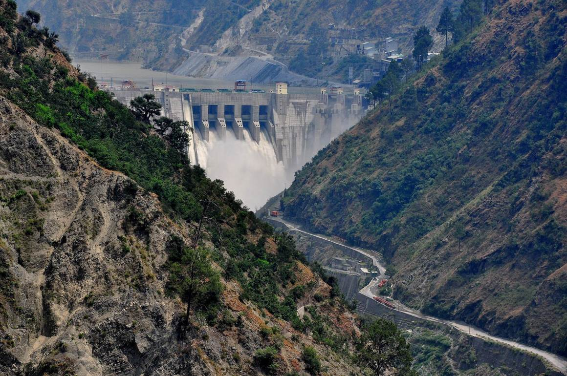 Representative image: the Baglihar Hydroelectric Power Project across the Chenab River at Doda district of Jammu and Kashmir. Credit: ICIMOD Kathmandu/Flickr CC BY-NC 2.0
