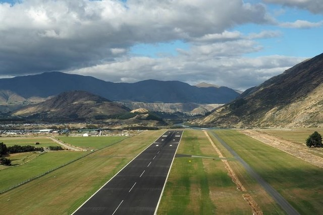 Queenstown airport in New Zealand March 7, 2017. Credit: Reuters/Henning Gloystein