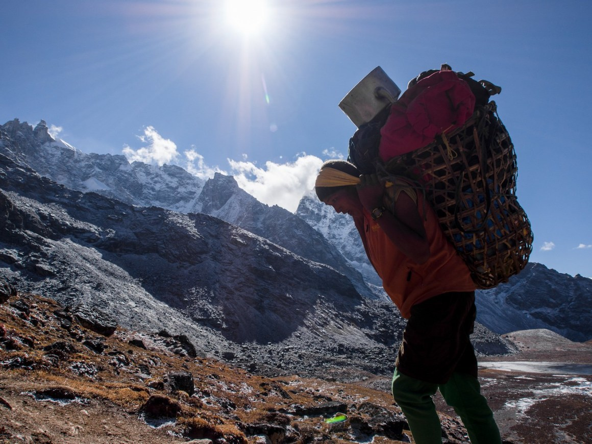 A porter in the Himalayas. Credit: Kiril Rusev/Flickr CC BY-NC-ND 2.0
