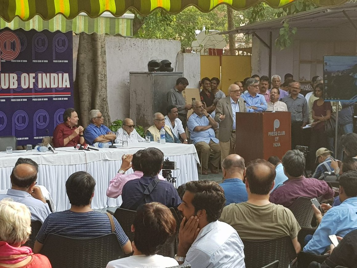 Fali Nariman addressing a press conference on the NDTV CBI raids. Credit: Twitter