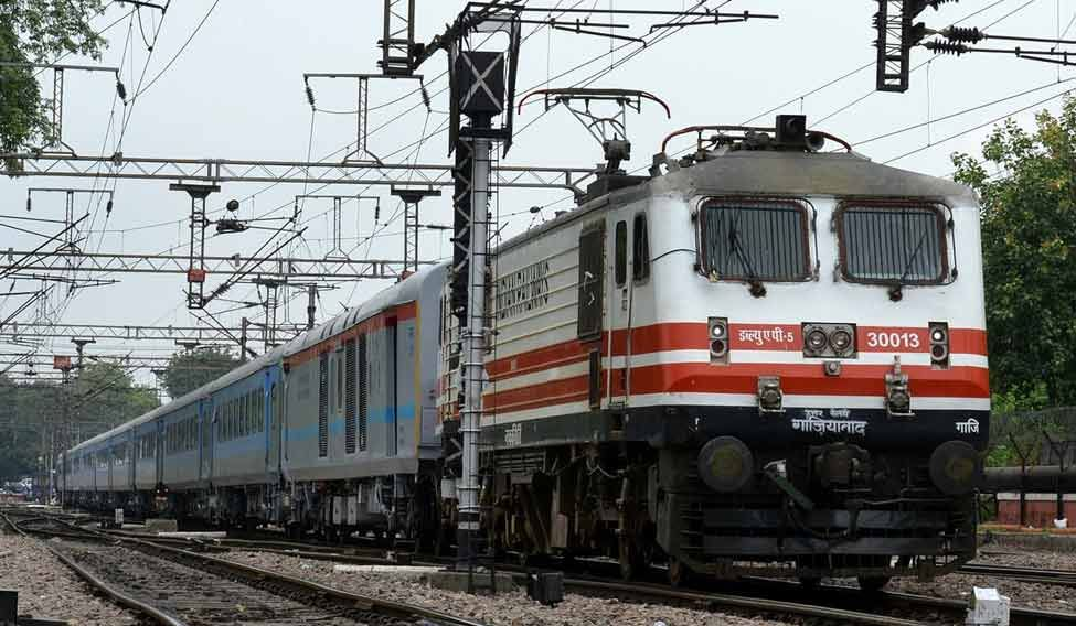 One Muslim Passenger Killed, Two Injured in Hate Crime on Train Near Delhi