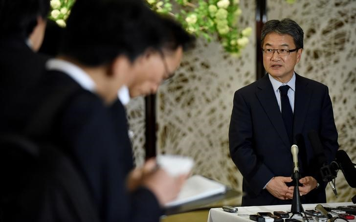 US special representative for North Korea policy Joseph Yun (R) answers questions from reporters following meeting with Japan and South Korea chief nuclear negotiators to talk about North Korean issues at the Iikura guest house in Tokyo, Japan, April 25, 2017. Credit: Reuters/Toru