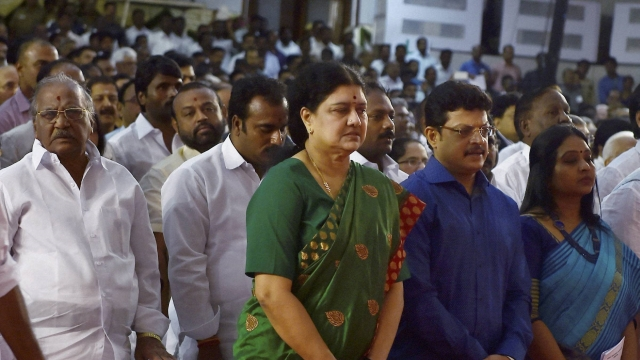 DIG Roopa who reported Sasikala's VIP treatment transferred