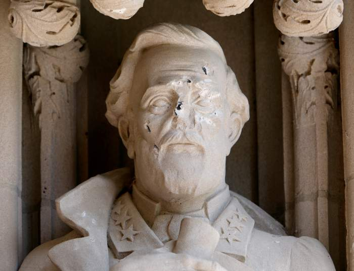 Damage is seen to the face of a statue of Confederate commander General Robert E. Lee at Duke University's Duke Chapel in Durham, North Carolina, US, August 17, 2017. Credit: Reuters/Jonathan Drake