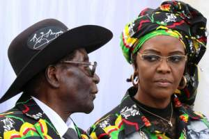 President Robert Mugabe and his wife Grace attend a rally of his ruling ZANU (PF) in Chinhoyi, Zimbabwe, July 29, 2017. Credit: Reuters/Philimon Bulawayo