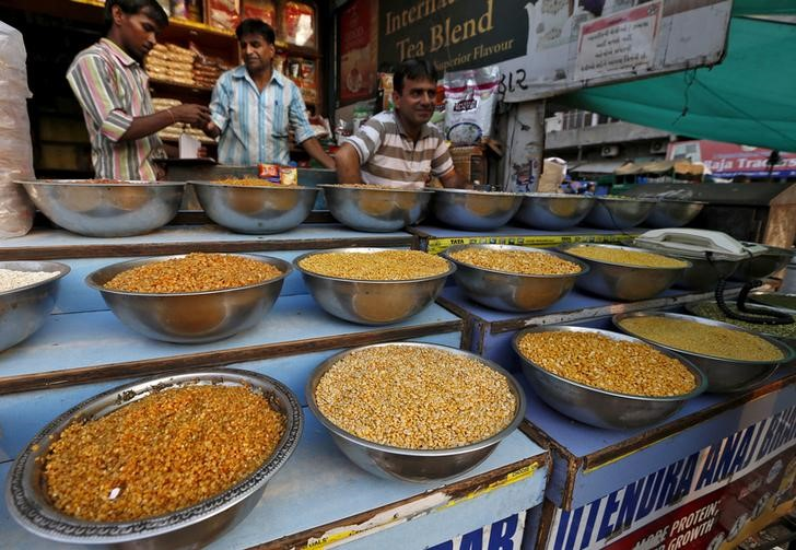 FILE PHOTO: Pulses are kept on display for sale in a shop at a market in Ahmedabad, India, June 20, 2015. Credit:Reuters/Amit Dave/File photo
