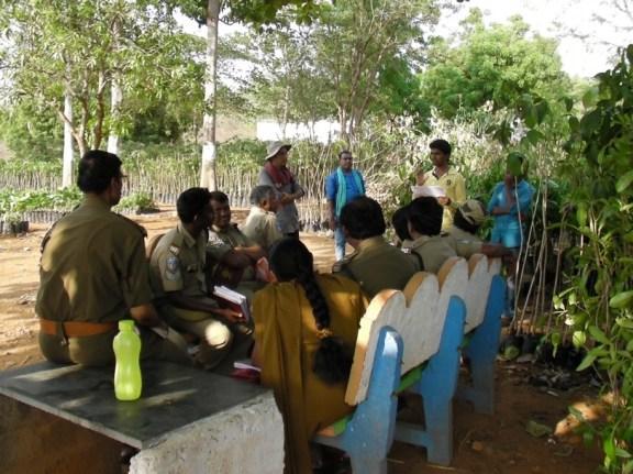 A smaller training conducted at a Telengana nursery. Credit: Madhu Ramnath
