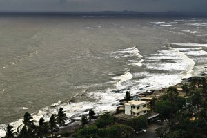 The coast in Mumbai. Credit: Siddhartha Kar/Flickr CC BY-NC 2.0