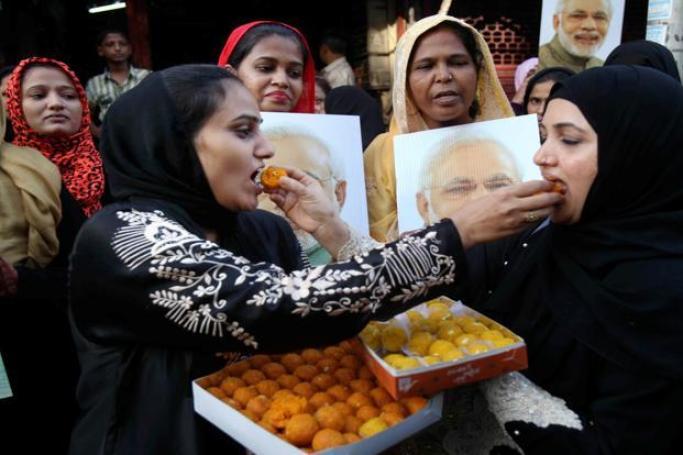 Muslim women celebrate the Supreme Court verdict on triple talaq in Mumbai. Credit: PTI
