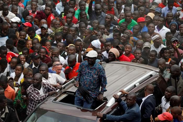 Opposition leader Raila Odinga greets supporters in Nairobi, Kenya, August 13, 2017. Credit: Reuters/Thomas Mukoya